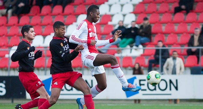 Timothy-Fosu-Mensah-in-action-for-Ajax-Amsterdam-has-joined-Manchester-United