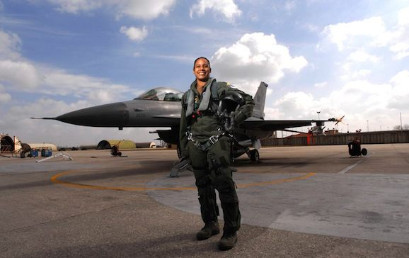 Shawna Rochelle Kimbrell: First female African-American fighter pilot in its history