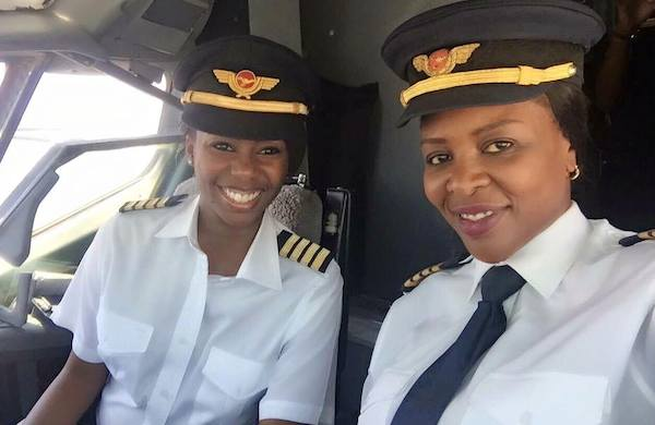 All Female Flight Deck Crew On The Air Zimbabwe Boeing